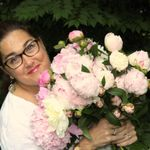 Honeybunches Floral Design profile image.